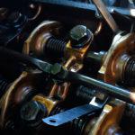 Почему стучат клапана в двигателе